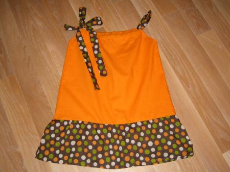 Tunique orange et pois