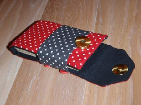 Etui portable pois rouge